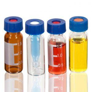 Chai vial nâu 1.8ml chia vạch, nắp vặn xanh đk 9mm, đệm PTFE/cao su